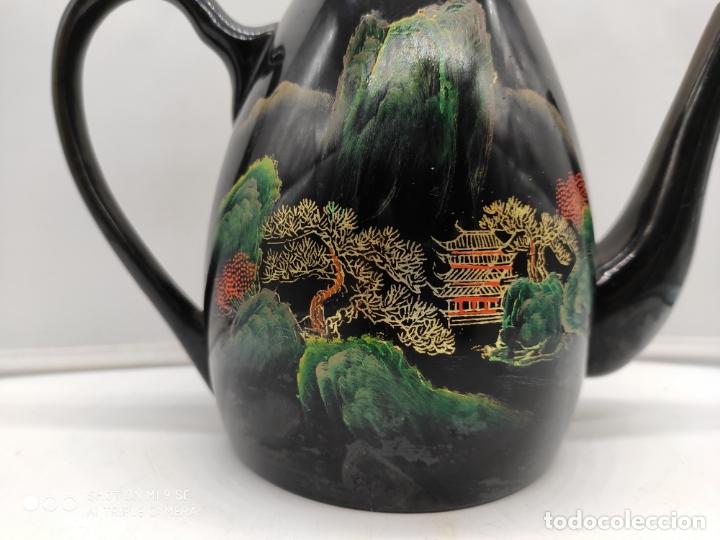 Antigüedades: Tetera antigua japonesa en madera lacada con bellos motivos orientales pintados a mano . - Foto 7 - 174953493