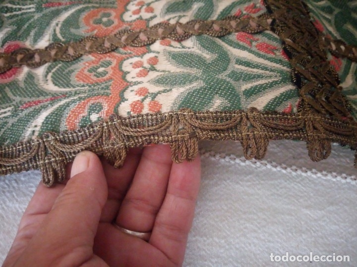 Antigüedades: Antiguo tapete floral con puntilla metálica,años 20 - Foto 4 - 174981005