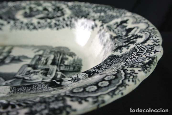 ANTIGUA BANDEJA DE CERÁMICA, OVALADA. PICKMAN. LA CARTUJA (Antigüedades - Porcelanas y Cerámicas - La Cartuja Pickman)