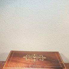 Antigüedades: CAJA DE MADERA NOBLE DE PALISANDRO. POSIBLEMENTE INGLESA. EPOCA VICTORIANA. SEGUNDA MITAD SIGLO XIX. Lote 174994942