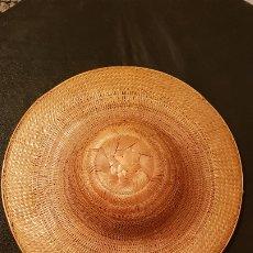 Antigüedades: SOMBRERO SALACOT,SAFARI DE CAZA,HECHO A MANO AÑOS 80-90 TEJIDO VEGETAL.VER DETALLES Y FOTOS.. Lote 174996300