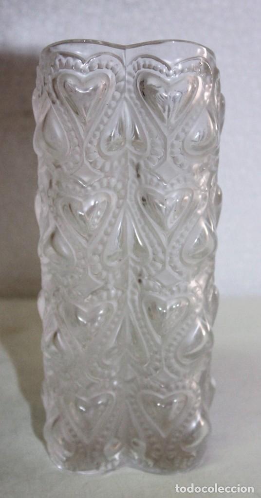 Antigüedades: JARRÓN EN CRISTAL FIRMADO LALIQUE FRANCE AMOUR LOVE CON CORAZONES AMOR FRANCIA - Foto 3 - 175040814