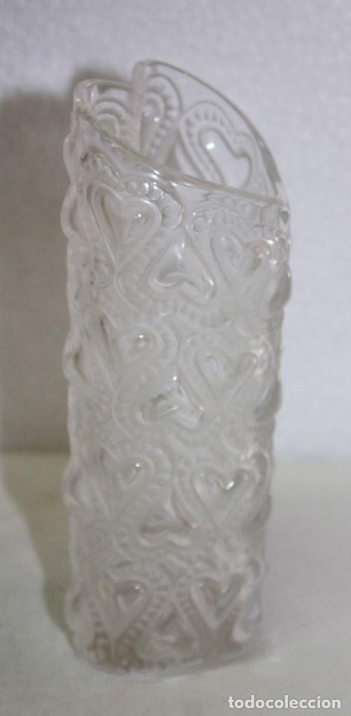 Antigüedades: JARRÓN EN CRISTAL FIRMADO LALIQUE FRANCE AMOUR LOVE CON CORAZONES AMOR FRANCIA - Foto 4 - 175040814