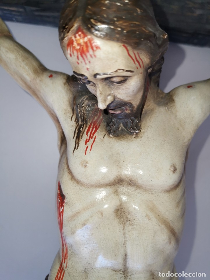 Antigüedades: Excepcional crucifijo antiguo de madera y Cristo de barro. - Foto 9 - 175086415