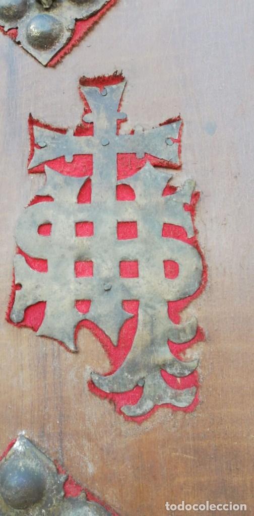 Antigüedades: PUERTA ANTIGUA CONFECCIONADA DE CLAVOS ANTIGUOS DE FORJA DE 9 X 9 CMS. CON 47 CLAVOS CURIOSA - Foto 3 - 175090832