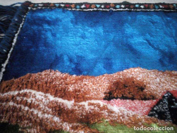 Antigüedades: Precioso y antiguo tapiz virgen de Fatima con los pastorcillos, aterciopelado. - Foto 5 - 175248962