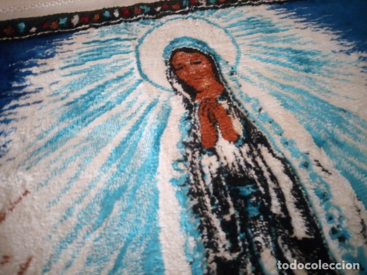 Antigüedades: Precioso y antiguo tapiz virgen de Fatima con los pastorcillos, aterciopelado. - Foto 6 - 175248962
