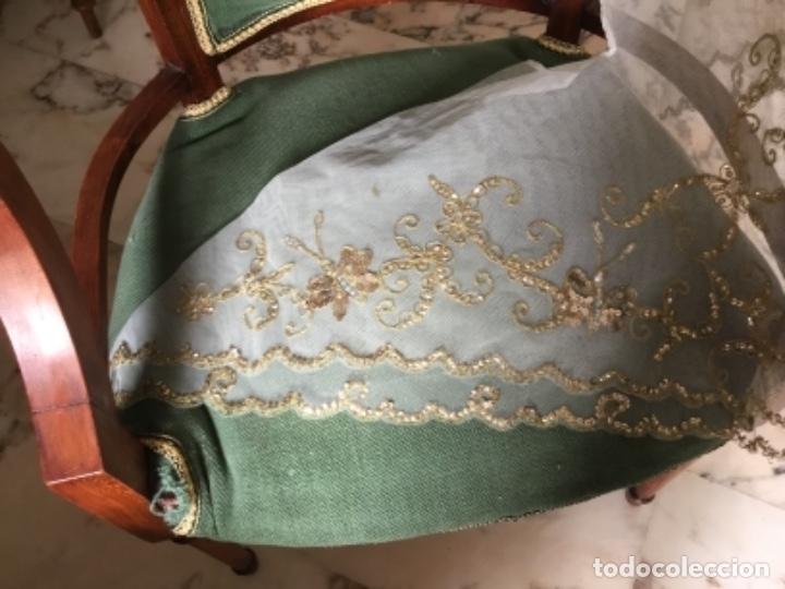 Antigüedades: Delicado conjunto de manteleta y delantal antiguo-bordado sobre tul-infantil - Foto 3 - 32561500