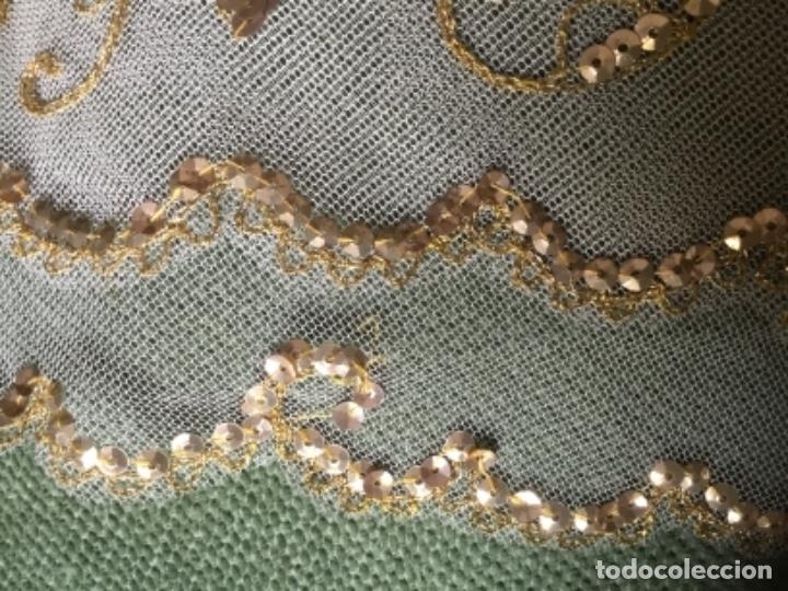 Antigüedades: Delicado conjunto de manteleta y delantal antiguo-bordado sobre tul-infantil - Foto 6 - 32561500