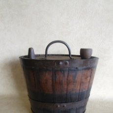 Antigüedades: ANTIGUO CANTARO BARREÑO DE MADERA. Lote 96821671