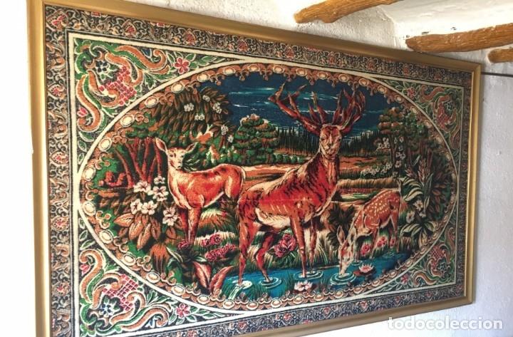 Antigüedades: Antiguo tapiz aterciopelado, años 60, con o sin marco - Foto 2 - 175298332
