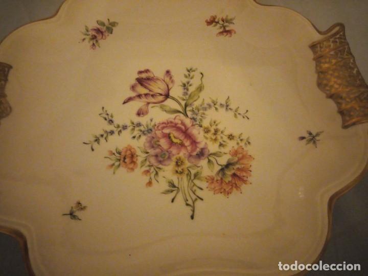 Antigüedades: Precioso plato para pastel de porcelana weimar porzellan made in germany,oro y flores pintado a mano - Foto 3 - 175306979
