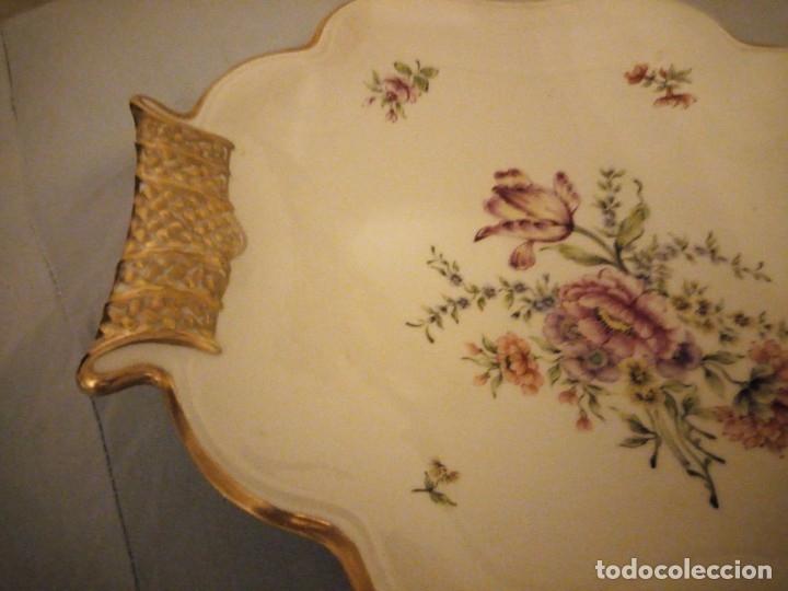 Antigüedades: Precioso plato para pastel de porcelana weimar porzellan made in germany,oro y flores pintado a mano - Foto 4 - 175306979