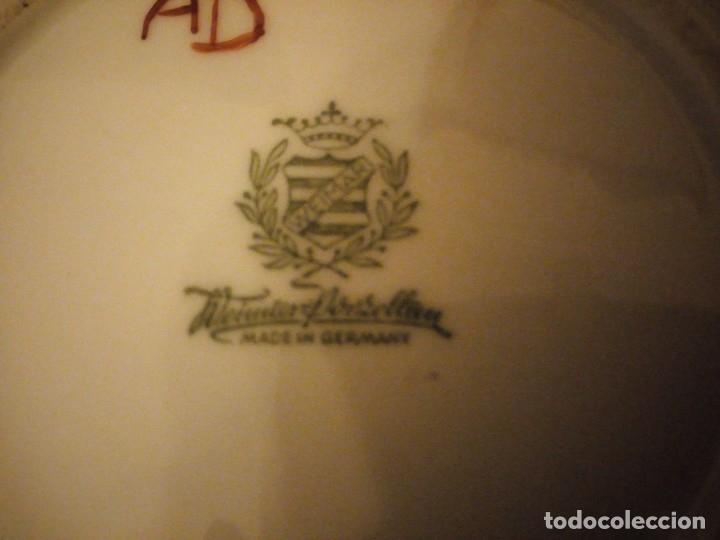 Antigüedades: Precioso plato para pastel de porcelana weimar porzellan made in germany,oro y flores pintado a mano - Foto 7 - 175306979