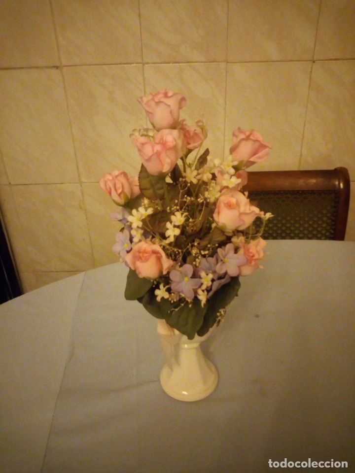 Antigüedades: Bonito florero forma de copa de porcelana alemana numerado,flores incluidas. - Foto 2 - 175314942