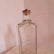 Antigüedades: BOTELLA ANTIGUA ALCOHOLATOS ALCOHOLERA ESPAÑOLA MADRID. Lote 161010566