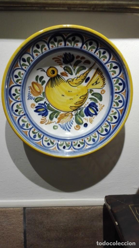 PLATO DE MANISES SANGUINO TOLEDO CON PÁJARO (Antigüedades - Porcelanas y Cerámicas - Talavera)