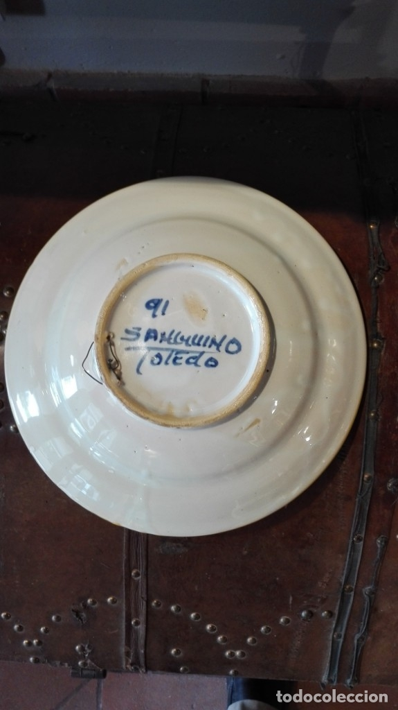 Antigüedades: Plato de Manises Sanguino Toledo con pájaro - Foto 2 - 175324670