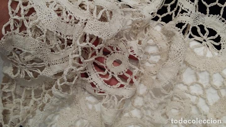Antigüedades: Encaje de bolillos - mantel 120 cm - Foto 4 - 175327894