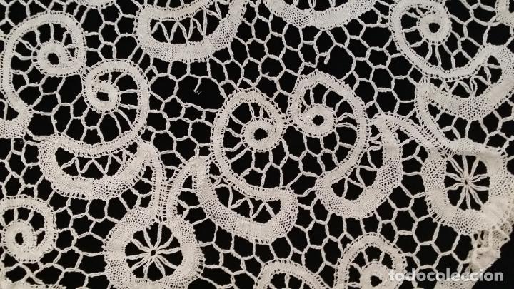 Antigüedades: Encaje de bolillos - mantel 120 cm - Foto 9 - 175327894