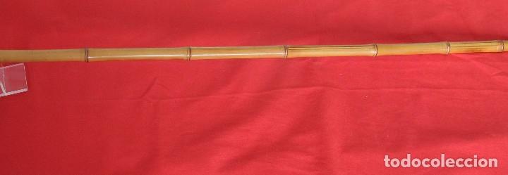Antigüedades: Antiguo bastón de bambú con empuñadura en ámbar - Foto 3 - 175339193