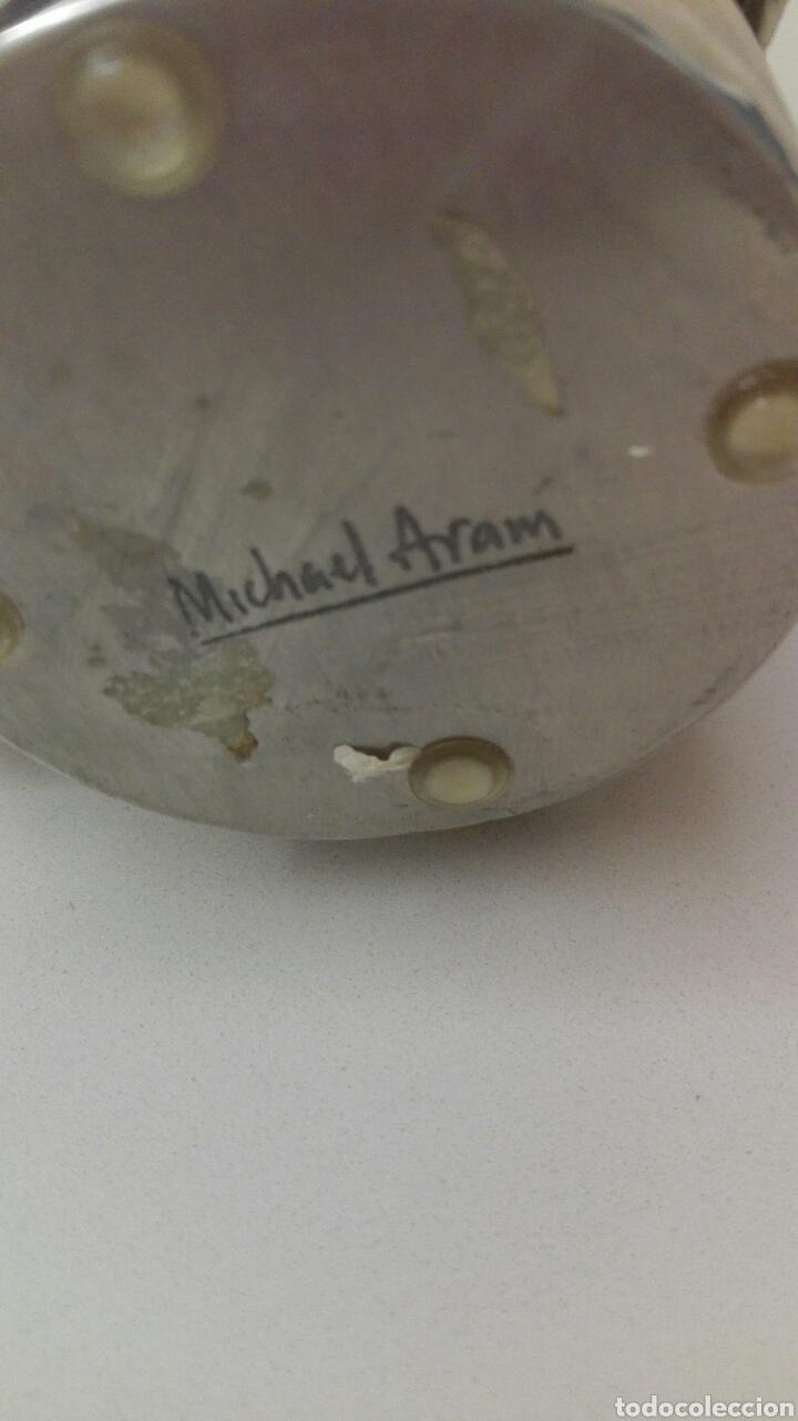 Antigüedades: Jarron de la firma MICHAEL ARAM, alto 24, base 6,5, boca 13, años 80. - Foto 3 - 175353219