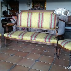 Antigüedades: SOFÁ TRESILLO Y DOS SILLAS. Lote 175391118