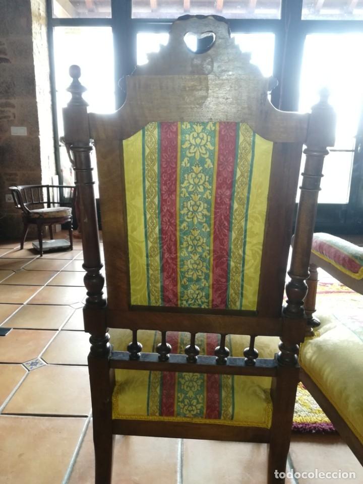 Antigüedades: Sofá tresillo y dos sillas - Foto 10 - 175391118