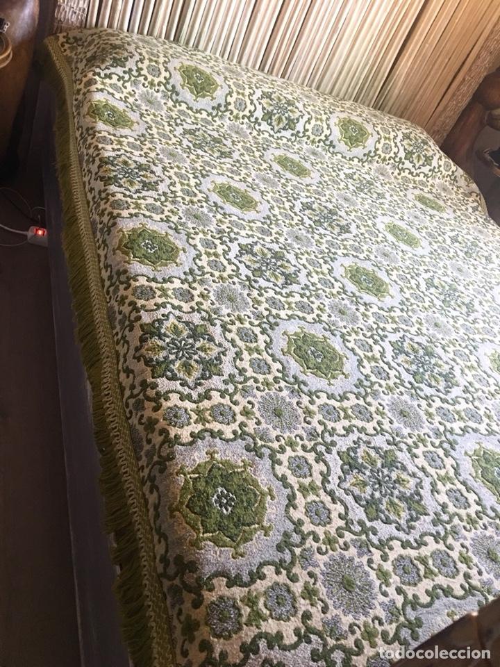 Antigüedades: Antigua manta colcha para cama de matrimonio-(19270) - Foto 6 - 175396510