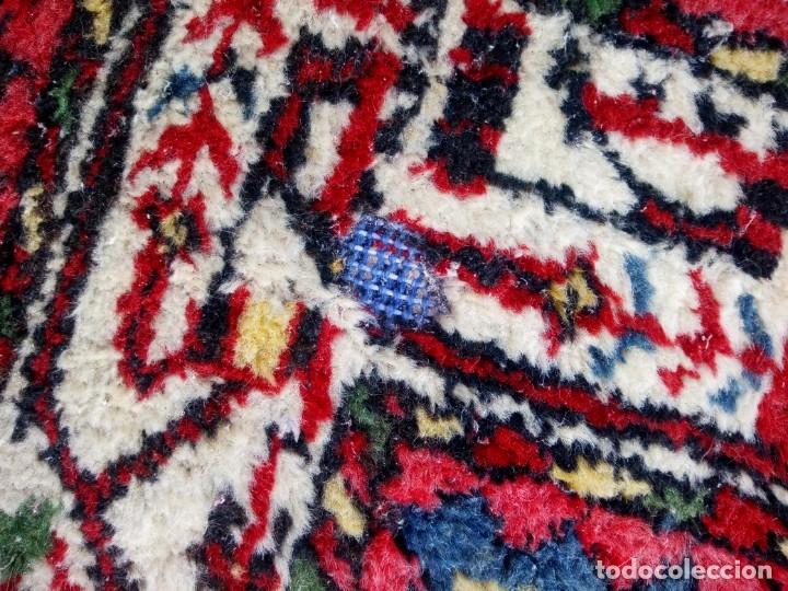 Antigüedades: Antigua alfombra persa DE LANA PURA HECHA AMANO,en tonos rojos azules y blancos - Foto 4 - 175454802
