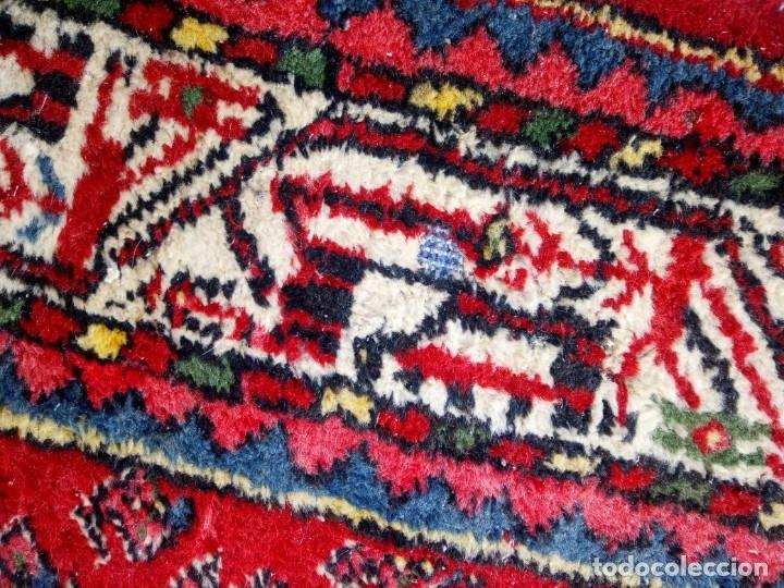 Antigüedades: Antigua alfombra persa DE LANA PURA HECHA AMANO,en tonos rojos azules y blancos - Foto 5 - 175454802