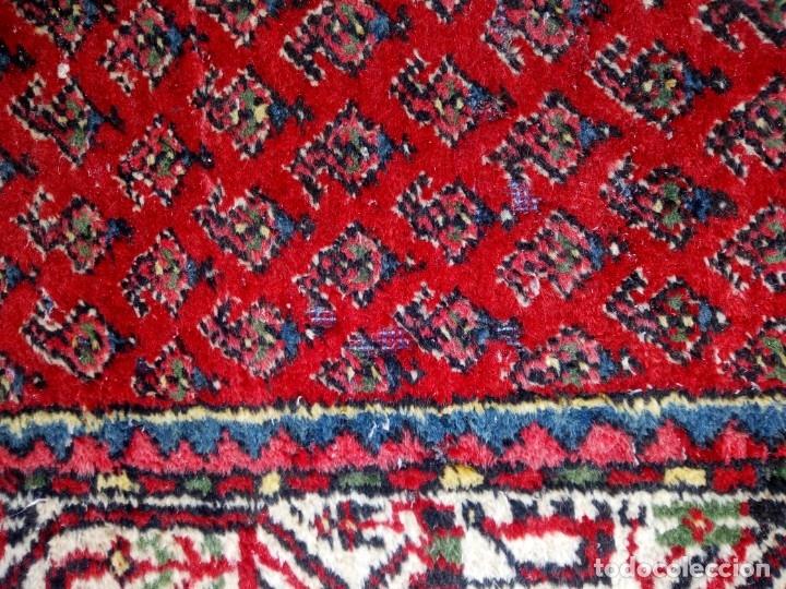 Antigüedades: Antigua alfombra persa DE LANA PURA HECHA AMANO,en tonos rojos azules y blancos - Foto 6 - 175454802