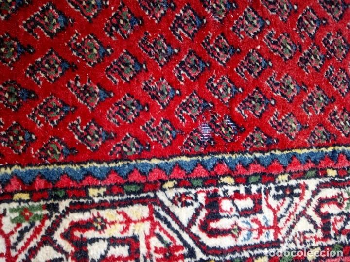 Antigüedades: Antigua alfombra persa DE LANA PURA HECHA AMANO,en tonos rojos azules y blancos - Foto 7 - 175454802