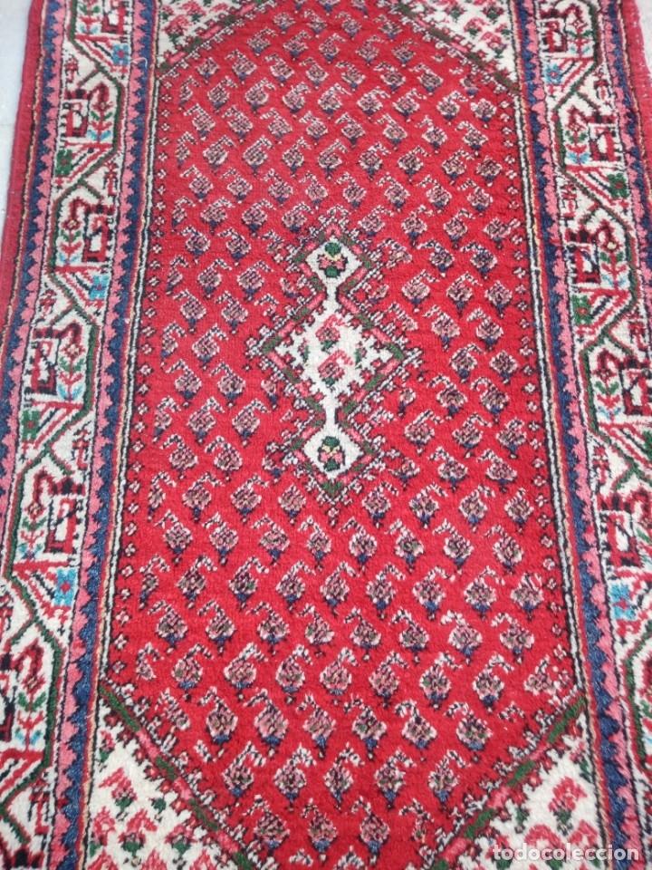 Antigüedades: Antigua alfombra persa de lana hecha a mano,en tonos rojos azules y blancos. - Foto 4 - 175455408