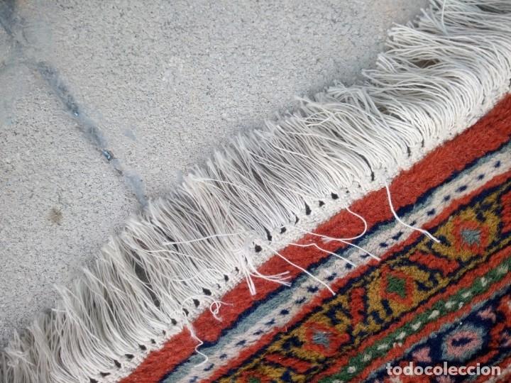 Antigüedades: Antigua alfombra persa,de lana hecha a mano en tonos rojos y dorados - Foto 8 - 175455599