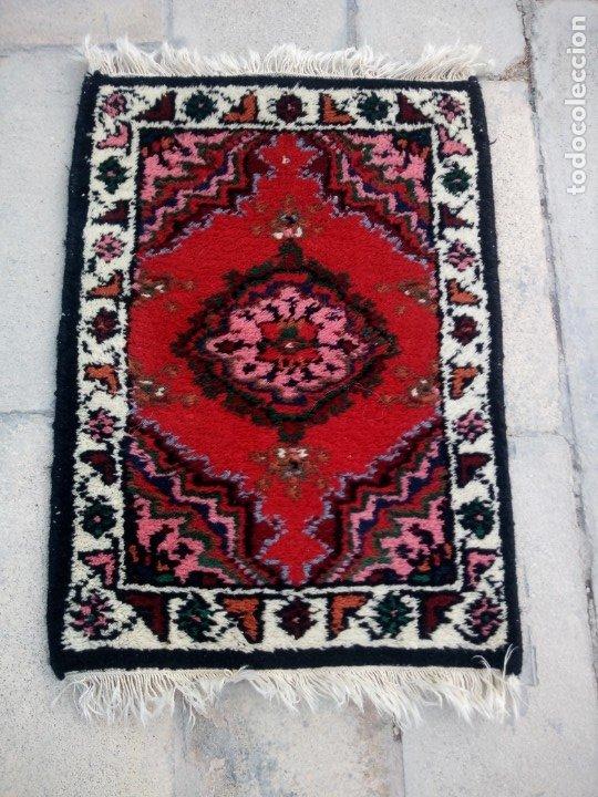 Antigüedades: Antiguo felpudo persa de lana pura hecho a mano. - Foto 2 - 175457044