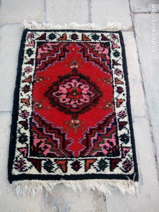 Antigüedades: Antiguo felpudo persa de lana pura hecho a mano. - Foto 3 - 175457044