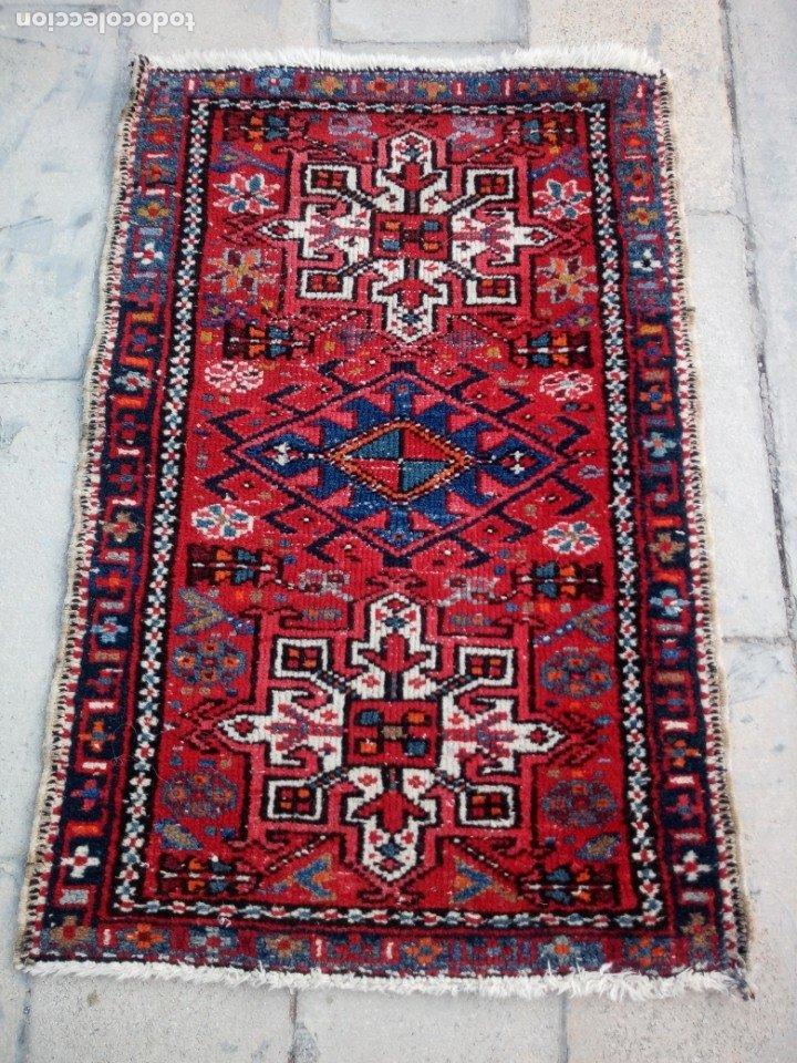 Antigüedades: Antigua alfombra persa lana pura echa amano,en tonos rojos azules y blancos - Foto 2 - 175457153