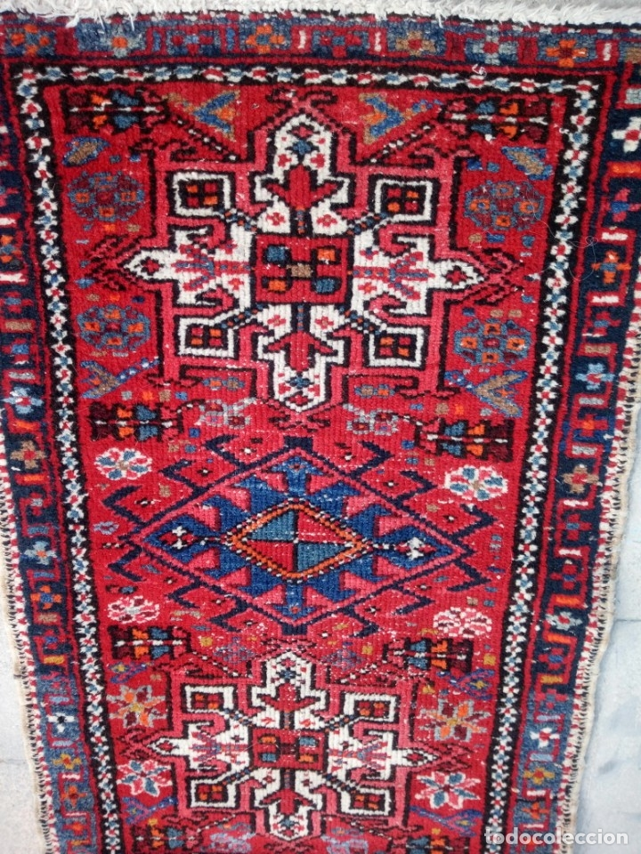 Antigüedades: Antigua alfombra persa lana pura echa amano,en tonos rojos azules y blancos - Foto 3 - 175457153