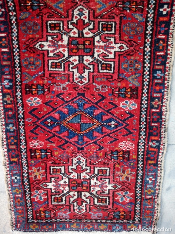 Antigüedades: Antigua alfombra persa lana pura echa amano,en tonos rojos azules y blancos - Foto 4 - 175457153