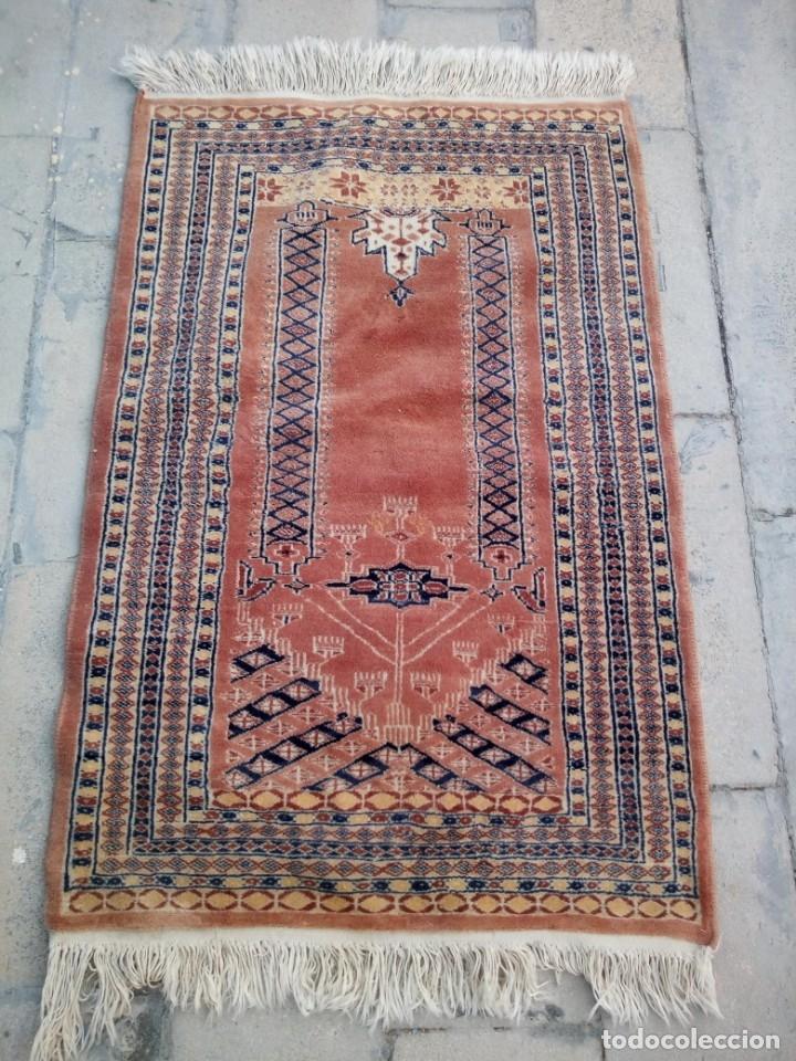 Antigüedades: Antigua alfombra persa de lana pura hecha a mano,en tonos salmón y azules,alfombra fina - Foto 2 - 175457542