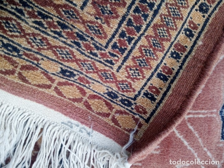 Antigüedades: Antigua alfombra persa de lana pura hecha a mano,en tonos salmón y azules,alfombra fina - Foto 7 - 175457542
