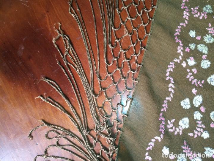 Antigüedades: manton mantoncillo pintado a mano con flecos - Foto 9 - 175457935