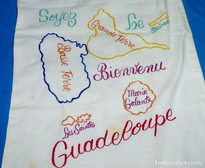 Antigüedades: Antigua bolsa de pan con bordados. - Foto 3 - 175468993