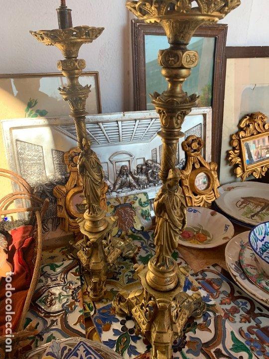 Antigüedades: Pareja candelabros antiguos bronce - Foto 3 - 175481477