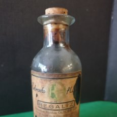 Antigüedades: ANTIGUO FRASCO DE CRISTAL FARMACIA. REGALIZ. Lote 175508092