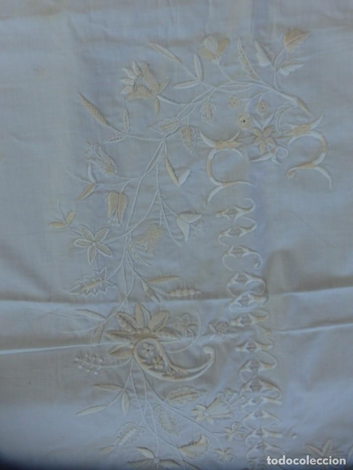 Antigüedades: Mantel de altar confeccionado en algodón, encajes y bordados. Pps. S. XX. - Foto 12 - 175550254