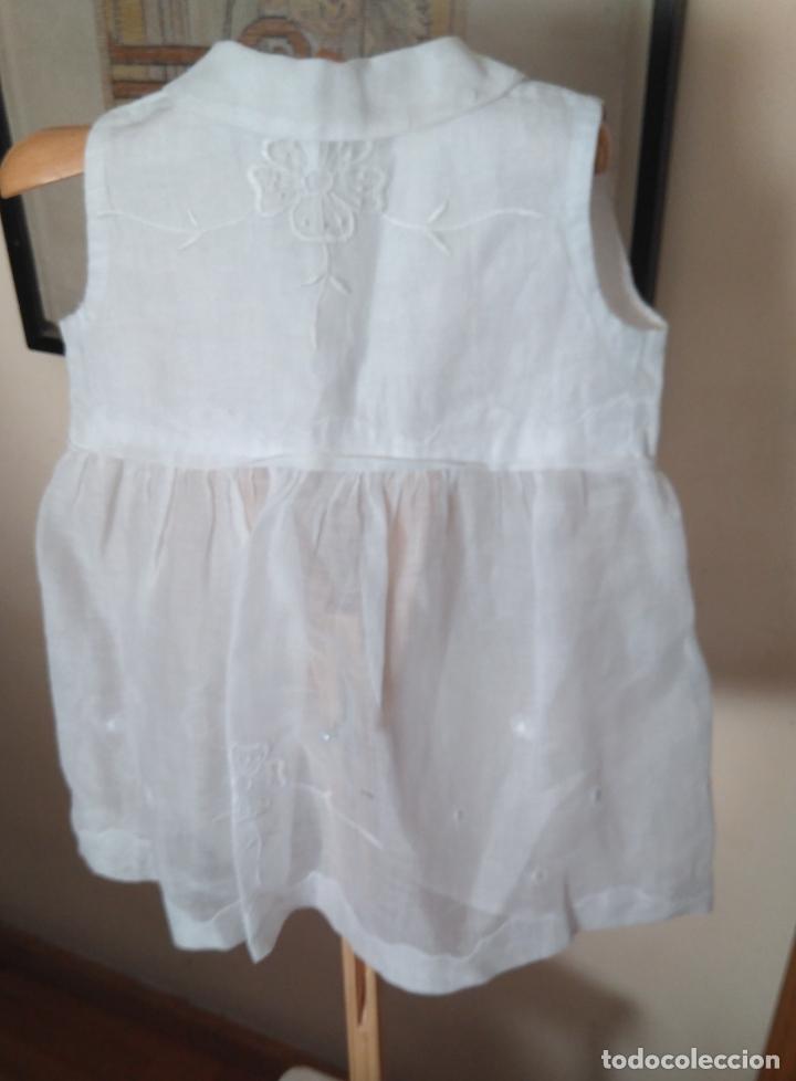 Antigüedades: Vestido infantil´organdí bordados y cinta hechura modista - h, 1930-50 - Foto 2 - 175553899