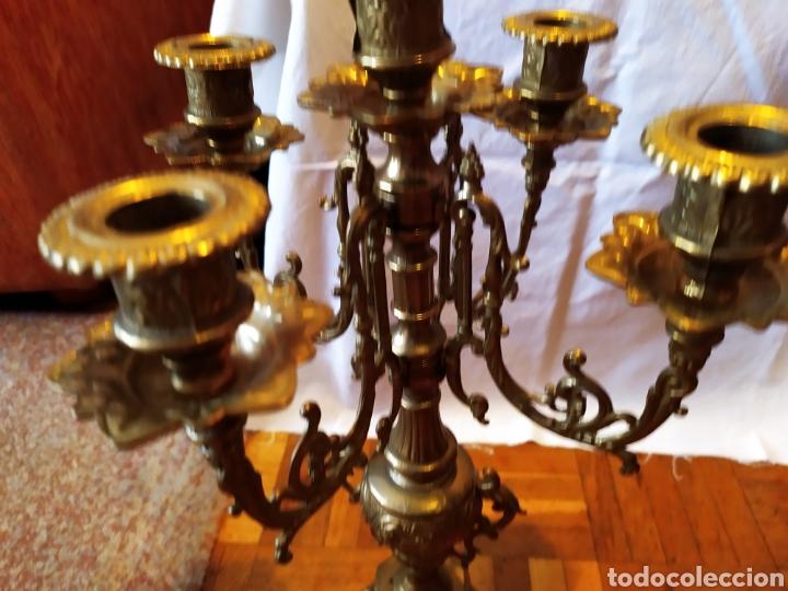 Antigüedades: PAREJA DE CANDELABROS DE BRONCE DE CINCO VELAS, ÚNICOS, VER - Foto 5 - 175585909