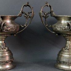 Antigüedades: PAREJA DE COPAS EN BRONCE ESTILO NAPOLEÓN III FRANCIA SIGLO XIX. Lote 175592282